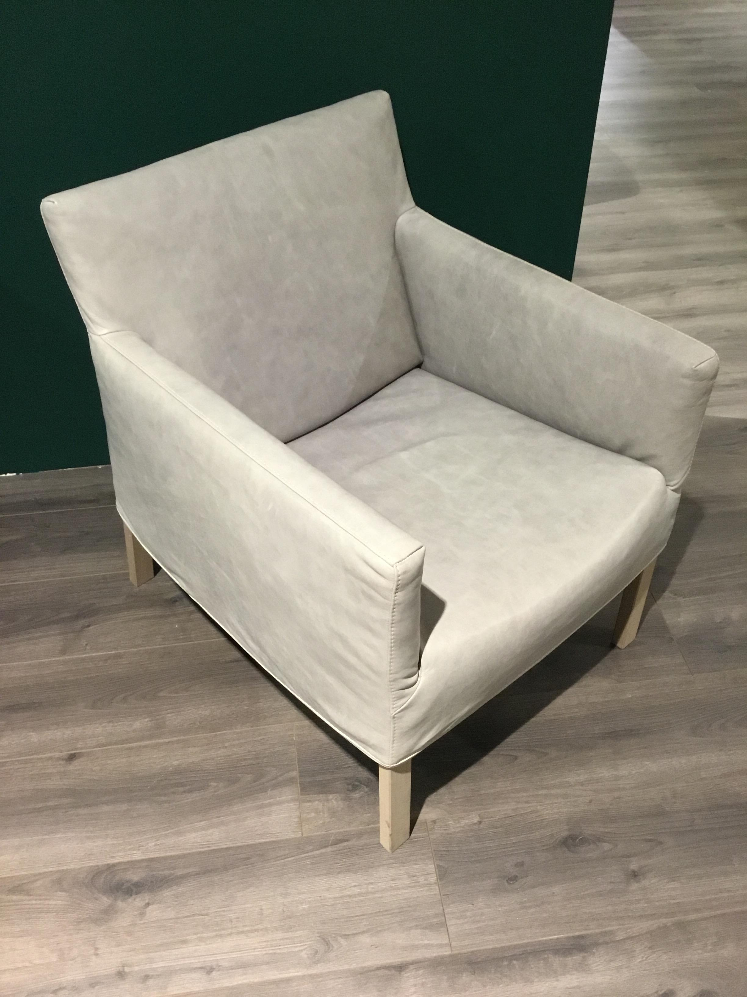 Label Coppola fauteuil als showroommodel-0